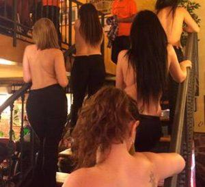 camareras del restaurante erótico en madrid