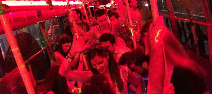 bailando en el party bus