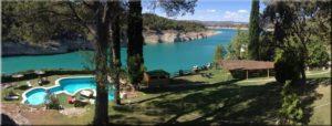 piscina far west y lago