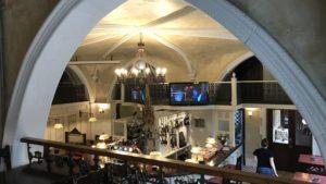 interior de restaurante el Acertijo